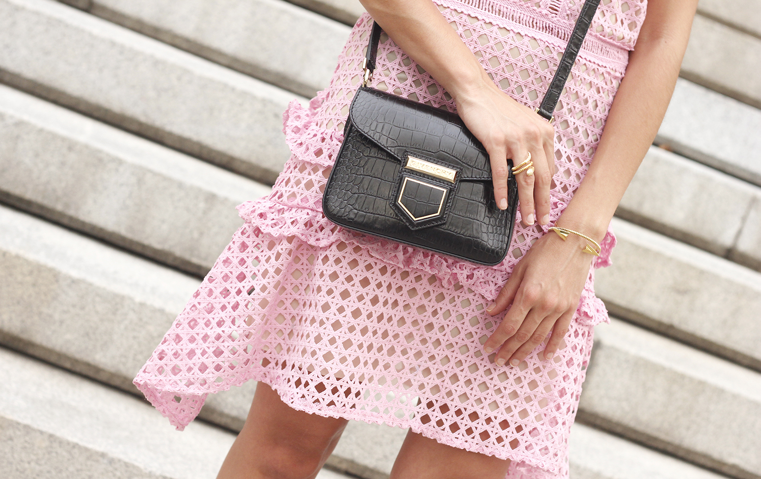 Pink dress summer givenchy bag nude heels outfit girl style16