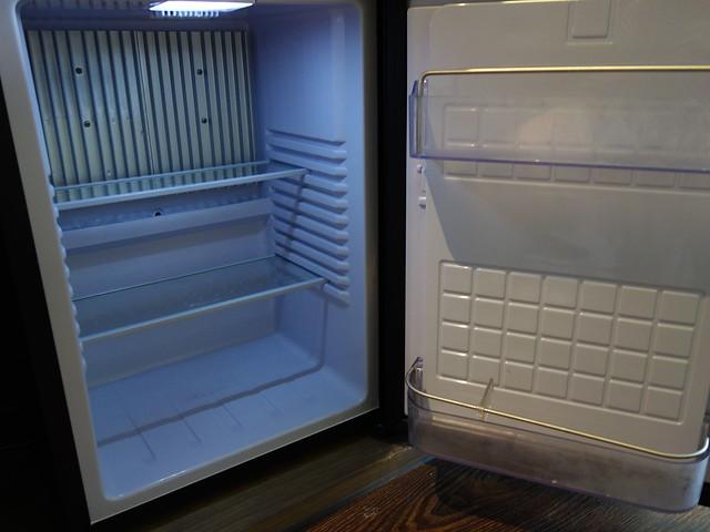空空的冰箱@捷絲旅高雄中正館HAPE主題家庭遊戲房