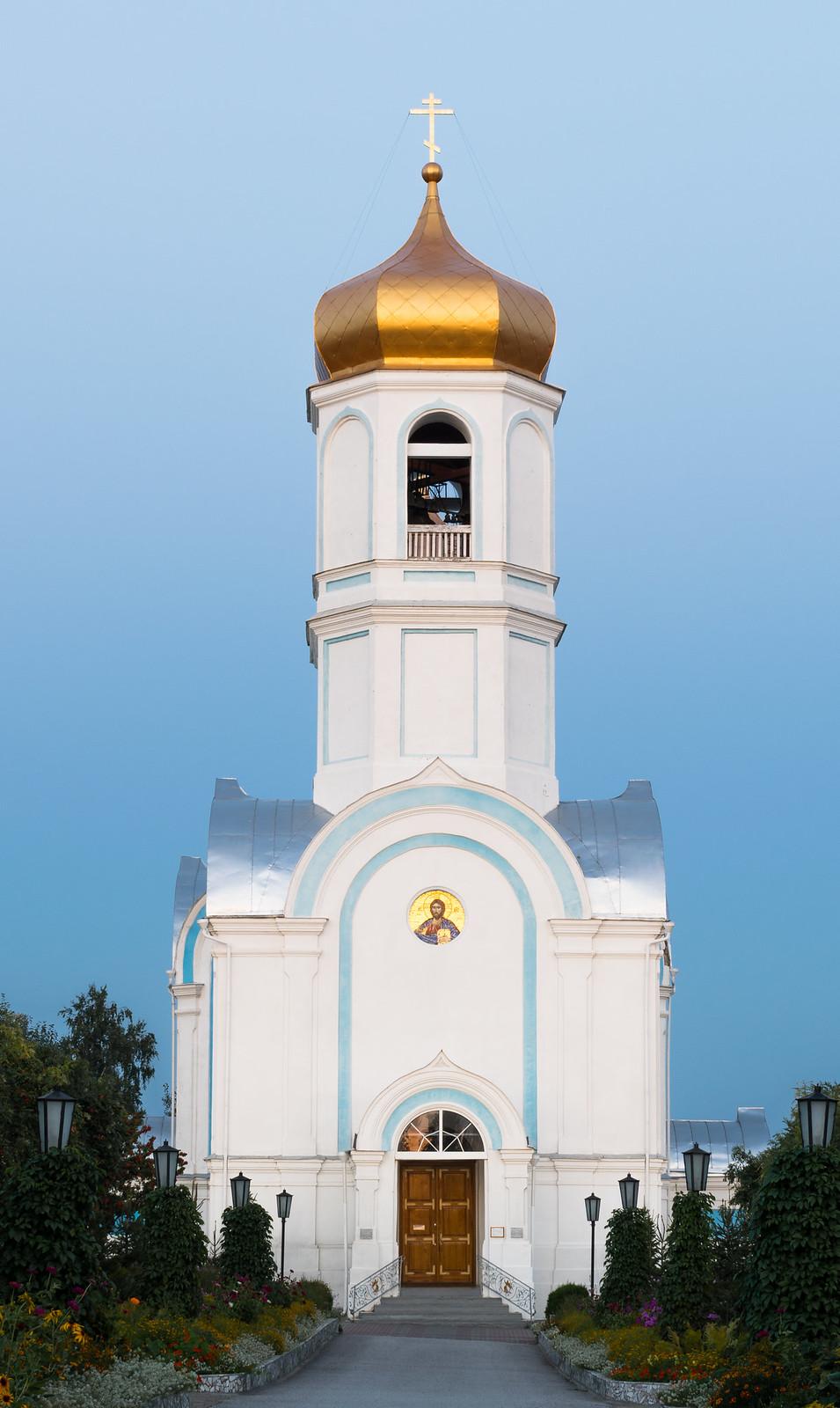 Церковь на территории Покровского Александро-Невского женского монастыря в 2017 году, рп. Колывань, ул. Калинина 22