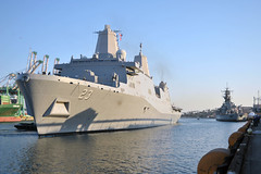 USS Anchorage (LPD 23) arrives for Los Angeles Fleet Week, Aug. 29.  (U.S. Navy/MC2 Gregory A. Harden II)