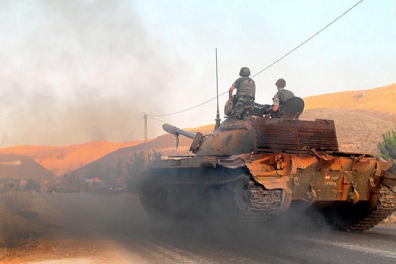 T-55-lebanese-army-syrian-border-201408-4lj-2