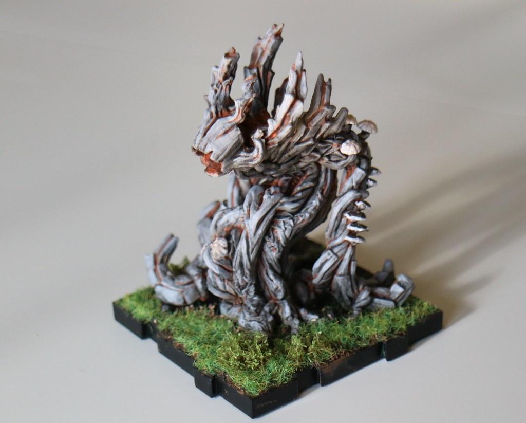 Runewars Miniatures Scion Left