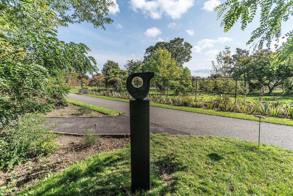 FULL TURN BY MARK RYAN [SCULPTURE IN CONTEXT 2017]-132862