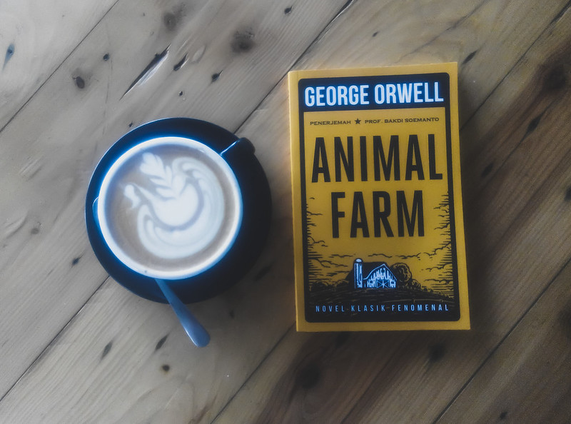 [REVIEW BUKU] ANIMAL FARM – GEORGE ORWELL.