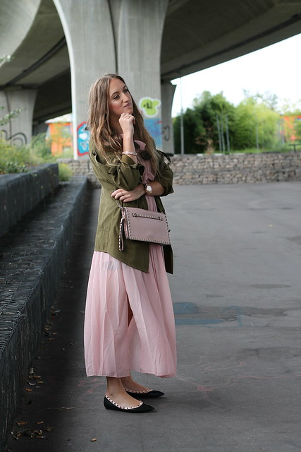 long-dress-and-parka-whole-look-side-wiebkembg