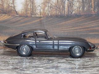 Jaguar E-Type - 1961 - IXO