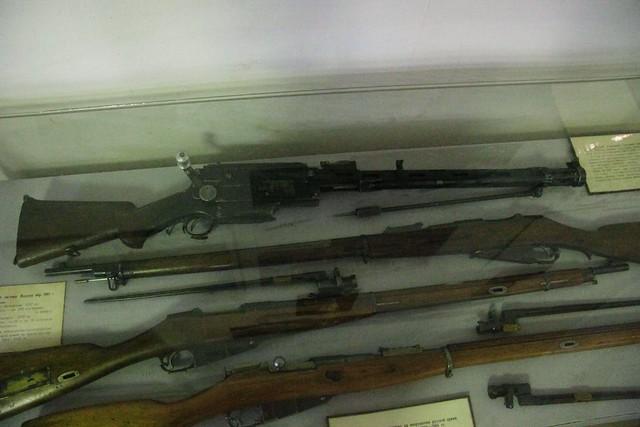 Machine gun Madsen in 1902, Canon EOS 600D, Canon EF-S 17-85mm f/4-5.6 IS USM