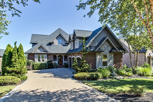 Gorgeous Luxury Home in the Farm at Willow Creek!