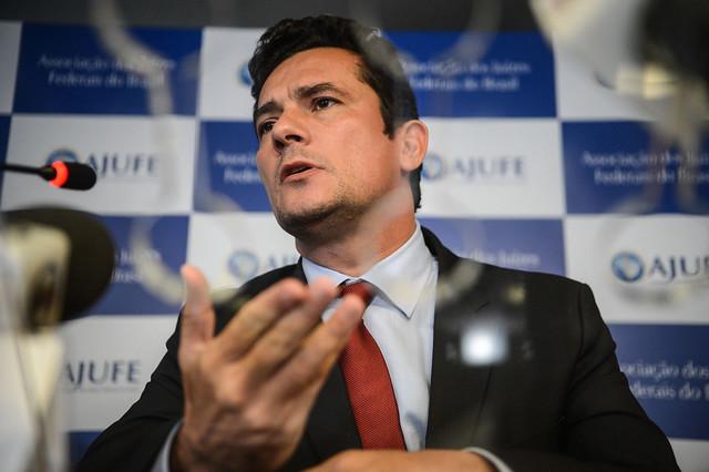 Artigo descreve a trajetória do juiz Sérgio Moro (foto), além de procuradores e delegados que atuaram na Lava Jato - Créditos: Fábio Rodrigues Pozzebom