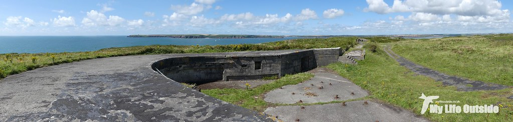P1100776 - Gun Battery, Angle Peninsula