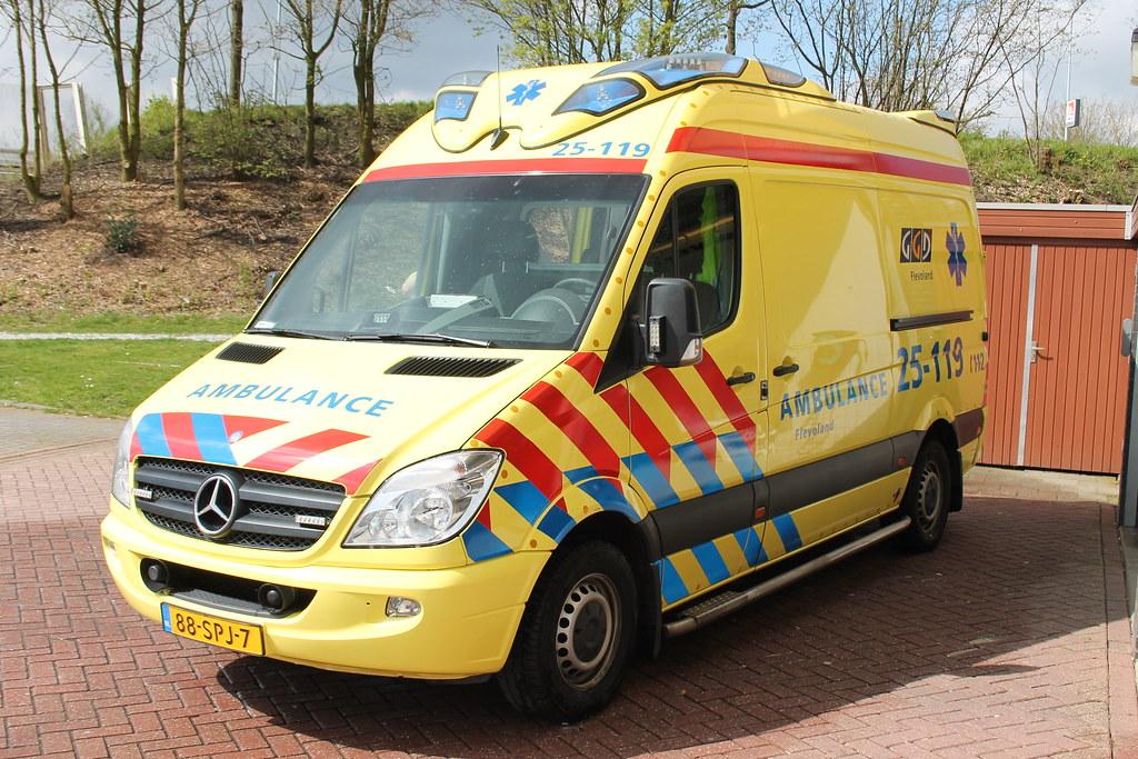 25 119 Soort Voertuig Reguliere Ambulance Roepnummer 25 Flickr