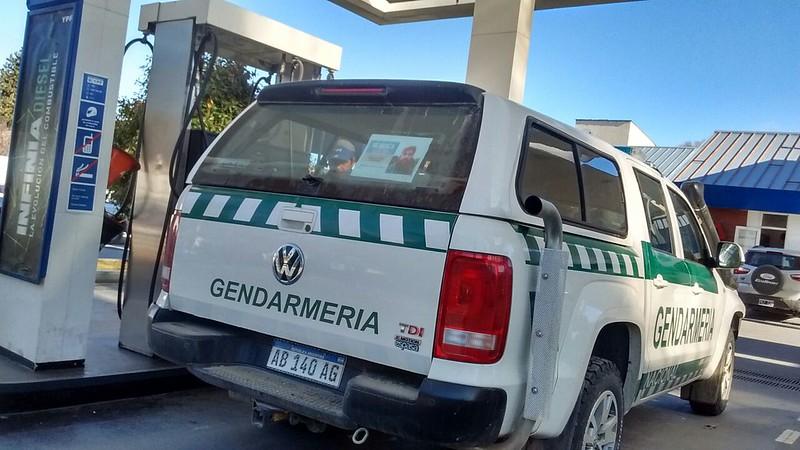 Vehículo de Gerdarmería Nacional en Cushamen, Chubut. Foto: Chequeado.