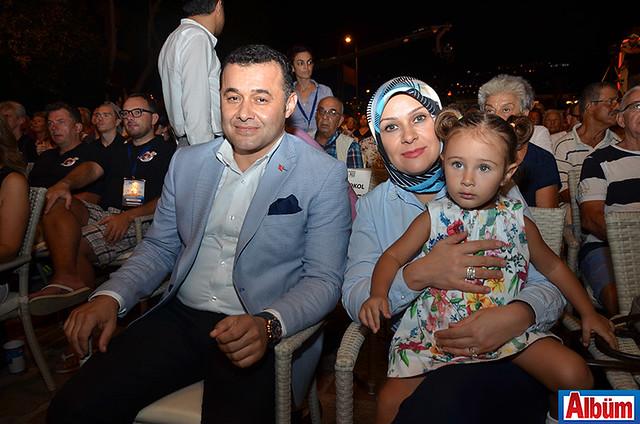 Adem Murat Yücel, Yıldız Yücel ve kızları Zeynep Yücel