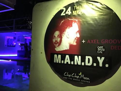 サムイ島 チャウエンで夜遊び ‐ M.A.N.D.Y. at Chacha Moon