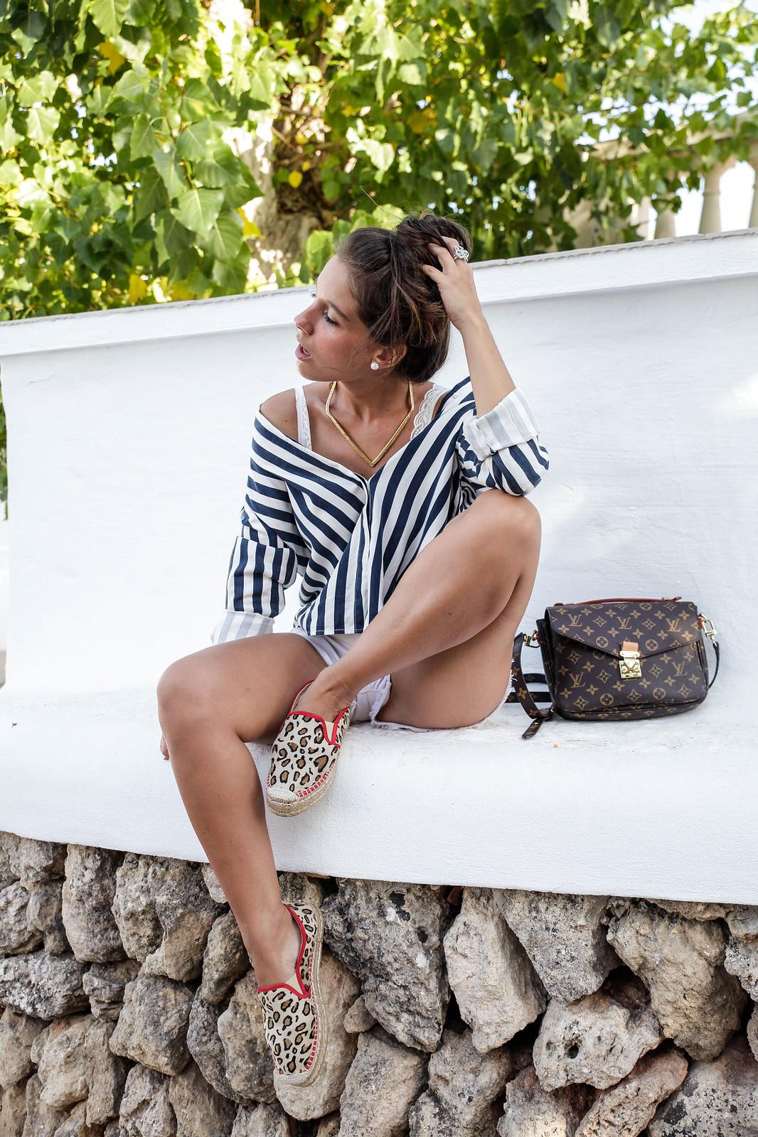 08_Leopard_and_stripes_perfec_mix_print_outfit_THEGUESTGIRL_laura_santolaria_influencer_barcelona