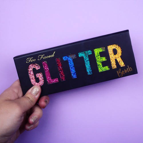 Revue Glitter Bomb Too Faced - Big or not to big17