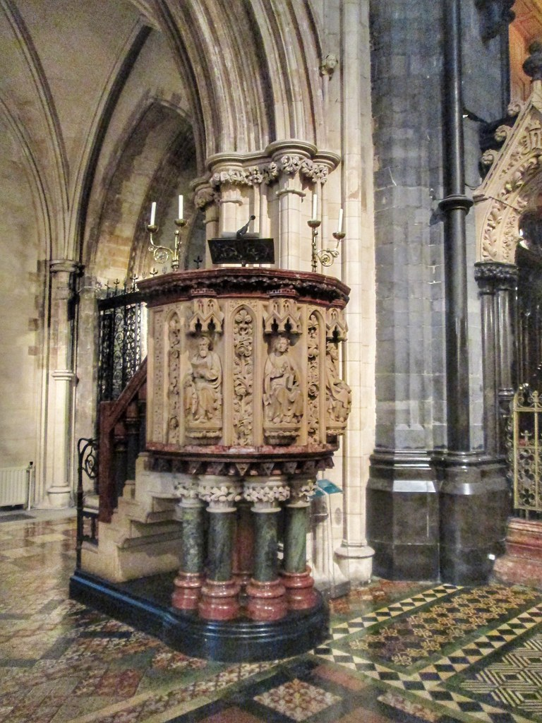 Christ Church Cathedral Pulpit