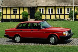 Volvo_240GL_1986_R1