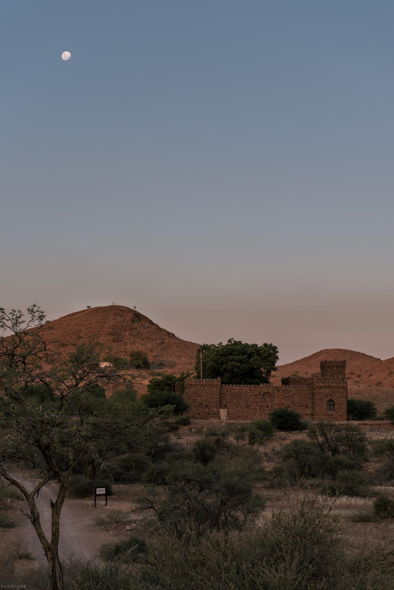 Moon shine at Dwusib castle