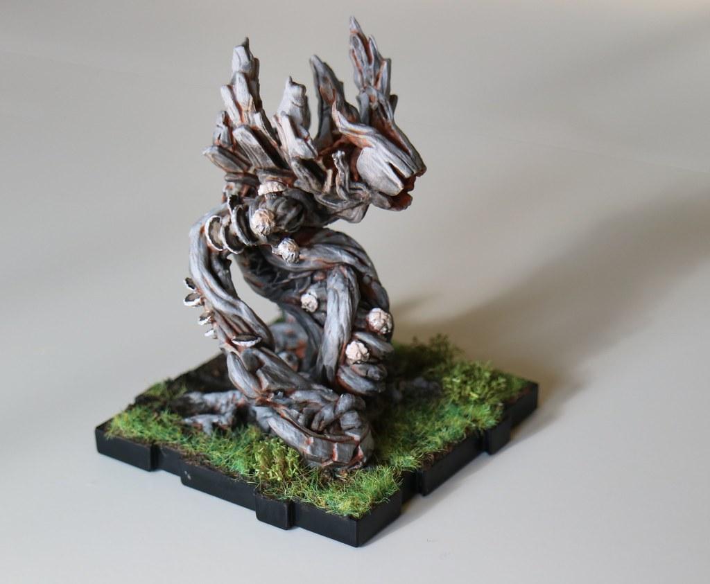 Runewars Miniatures Scion Right