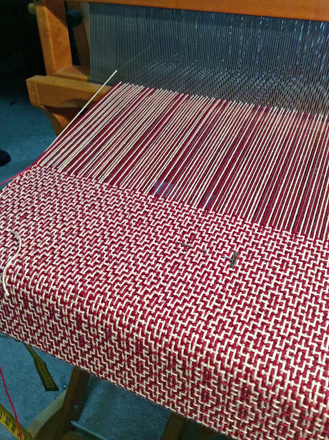 Weaving cotton rosepath 2-colour blankets by irieknit