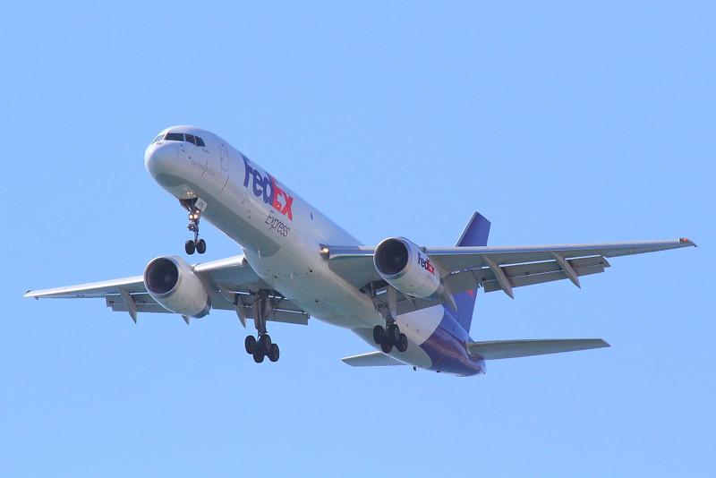 IMG_4847 FedEx Boeing 757