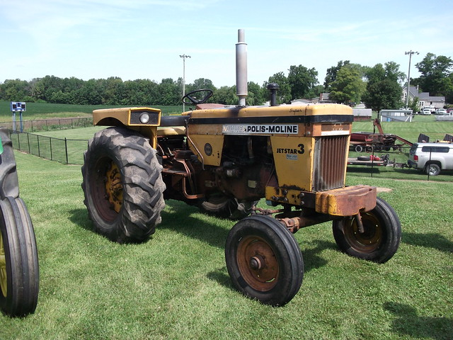 1970 Minneapolis Moline Jetstar 3 tractor, Fujifilm FinePix AV200
