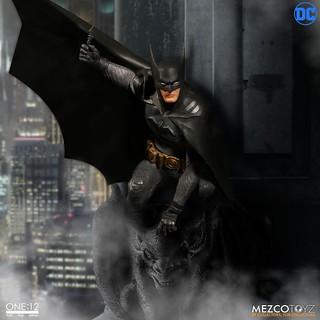 MEZCO – ONE:12 COLLECTIVE 系列【蝙蝠俠:Ascending Knight】Batman: Ascending Knight 1/12 比例人偶作品