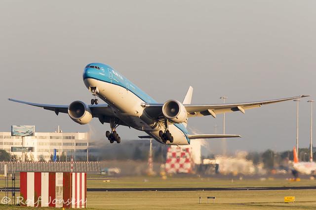 PH-BVC Boeing 777-300ER KLM Schiphol EHAM 17.06-17