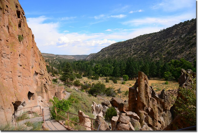 Canyon viewing from Bandelier's Long House