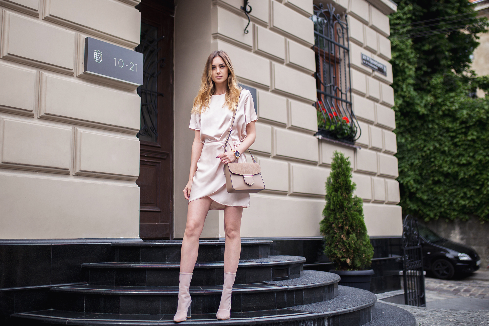 satin-trend-satin-dress-outfit-street-style copy