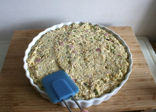 48 - Teigmasse glatt streichen / Even dough