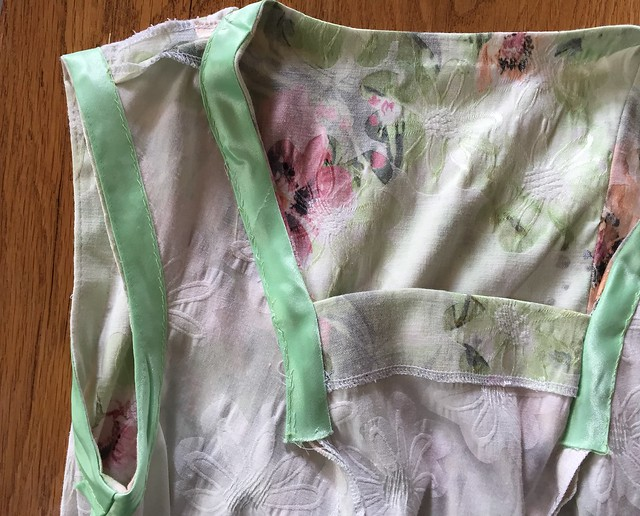 details green wriggle dress stretch cotton sewing
