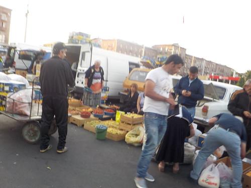 駅前の市場