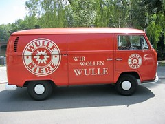 1970 Bulli genannter Kleinbus Typ2 T2 von Volkswagen Görlitzer Ufer in 10997 Berlin-Kreuzberg