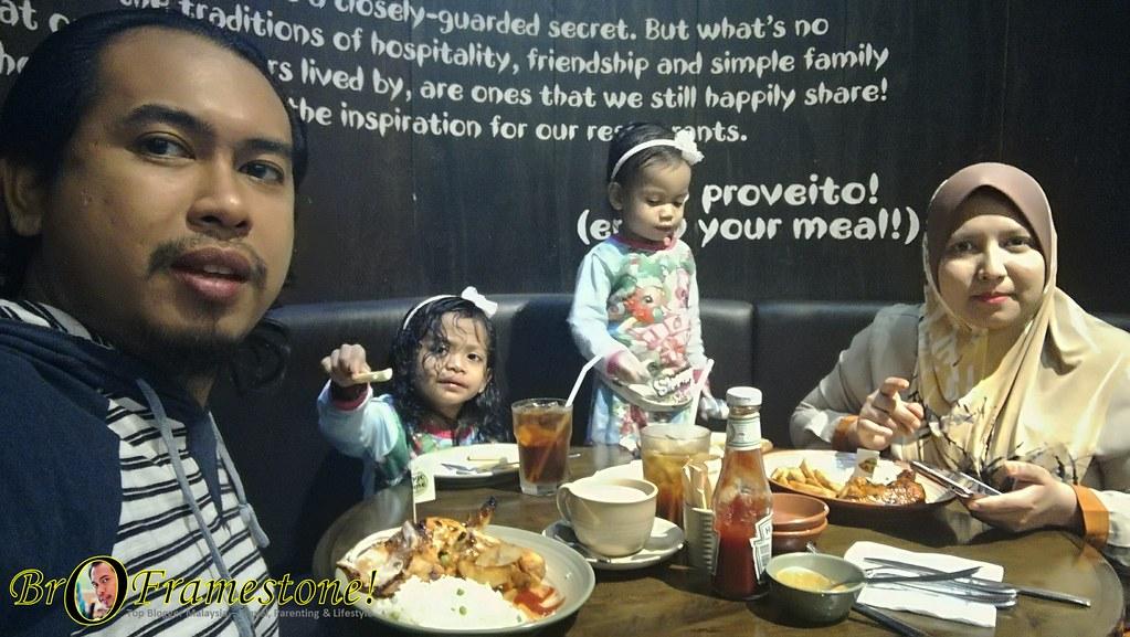 Makan Bersama Keluarga di Nando's Malaysia