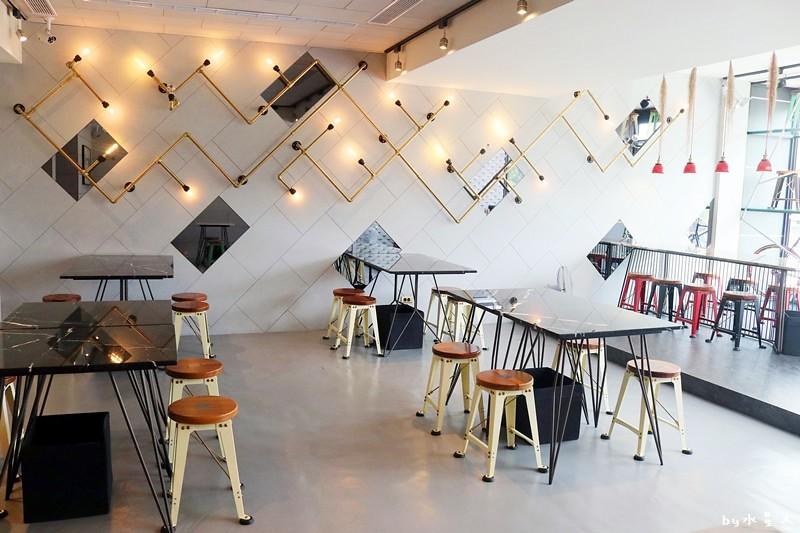 37319342632 2d1b427b44 b - 熱血採訪   KATZ 卡司複合式餐廳二店,超人氣創意美韓料理,奶蓋咖哩烏龍麵好吃!