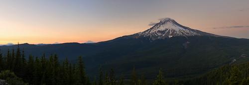 tomdickharrymountain mthood mirrorlake oregon cascaderange mountain westcoast sunset hike trail mosquitoes