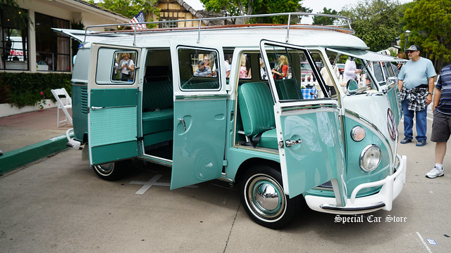 1964 Volkswagen Transporter at Carmel-by-the-Sea Concours on the Avenue 2017