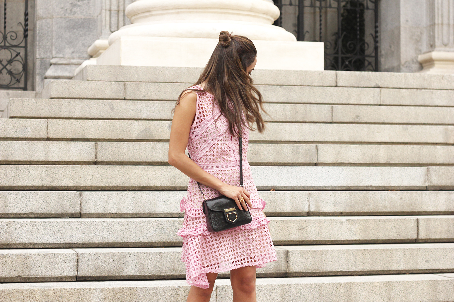 Pink dress summer givenchy bag nude heels outfit girl style09