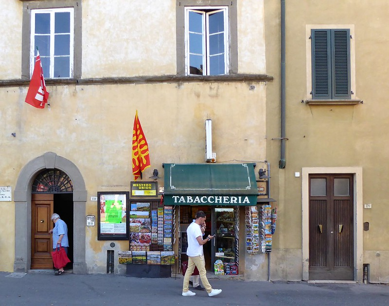 Doors & shops in Volterra