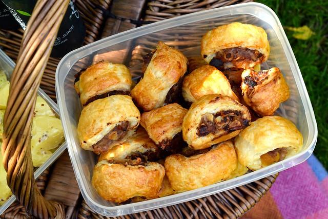 Homemade Apricot & Almond Sausage Rolls | www.rachelphipps.com @rachelphipps