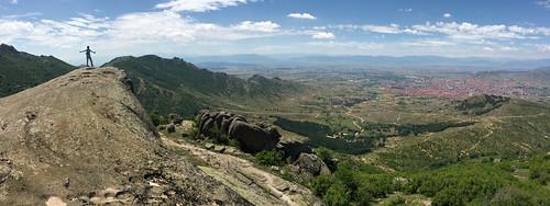 селечка selečka selecka pelagonia macedonia valley plain view hike prilep rock granite summer spring panorama boulders stone