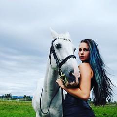 #modelvikykramarić #whitehorse #blackandwhite #blackmagicwoman #shooting #fotozlatkoivančok