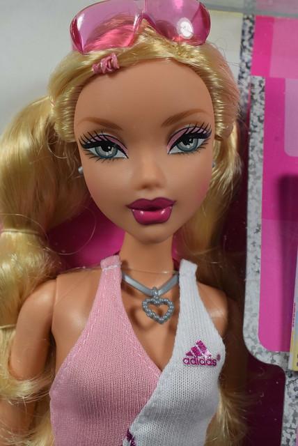 2006 Barbie My Scene Sporty Style Adidas Kennedy K8290 (1)