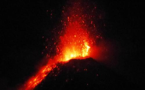 397 Erupcion nocturna, Volcan de Fuego (8)