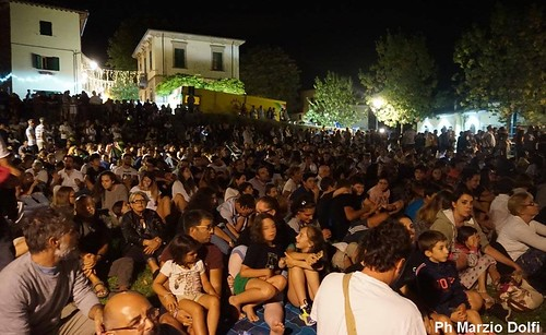 Serravalle, in corteo per San Lodovico foto di Marzio Dolfi