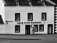Scotland West Highlands Argyll Inveraray the Loch Fyne Whiskies shop try a sample or two giggle 31 August 2017 by Anne MacKay