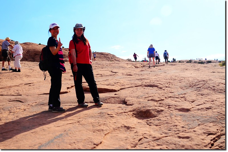 Hiking to Delicate Arch
