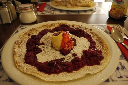 Pancake with Hot Raspberries